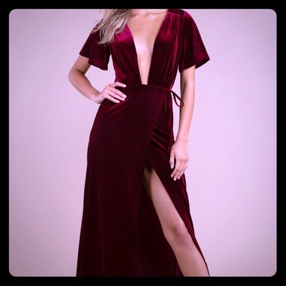 Tobi Dresses & Skirts - Tobi Deep Plunge maxi dress
